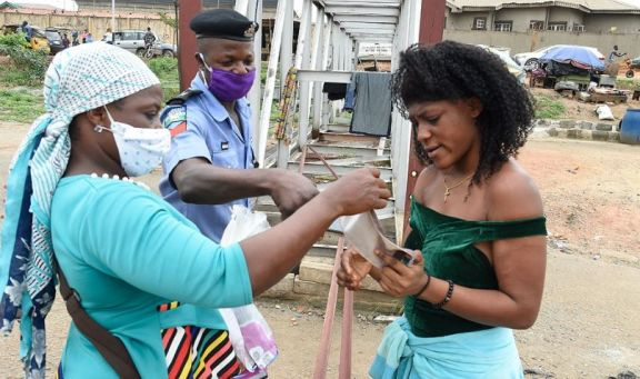 África es el único lugar en el que el coronavirus mantiene un ritmo acelerado
