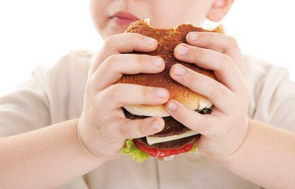 Niños obesos terminan con diabetes e hipertensión