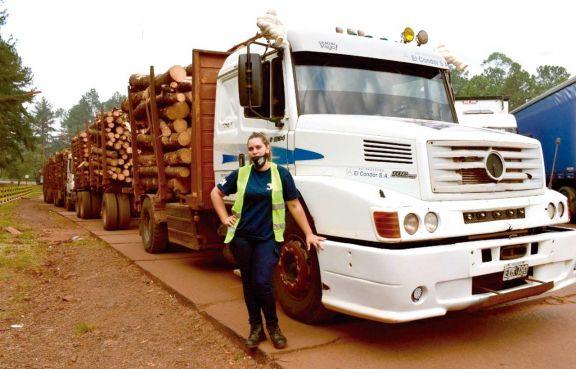 Mirta Mallmann, la joven cuya fuerza mueve camiones
