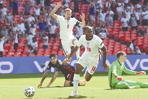 Inglaterra saca chapa