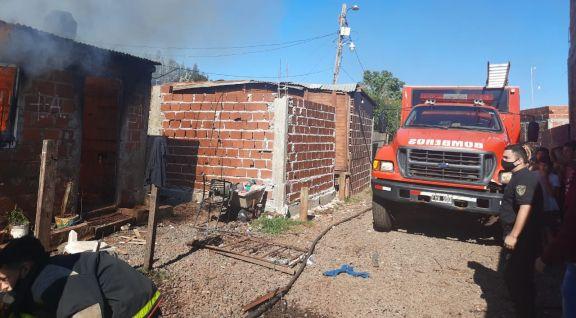 Se incendió una casa con seis chicos adentro, encerrados bajo llave