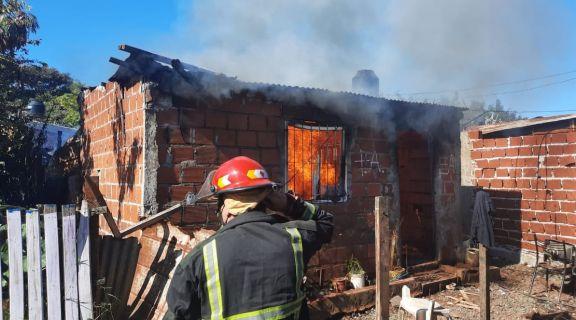 Los seis hermanitos rescatados del incendio vivirán en la casa del abuelo