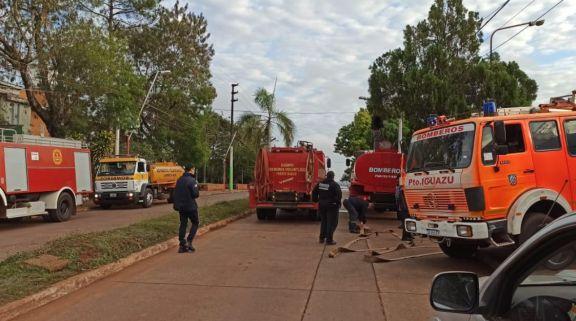"""Bomberos de Iguazú por faltante de agua: """"Estamos tratando de llegar a todos, pero es una tarea difícil"""""""