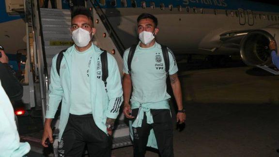 El seleccionado argentino llegó a Brasilia para enfrentar mañana a Uruguay