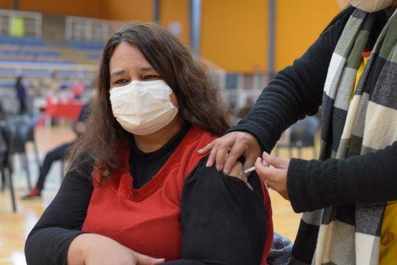 Fuerte demanda tras ampliarse la vacunación al grupo entre 30 y 39 años