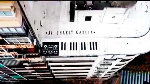 Impactante mural en honor al gran Charly García