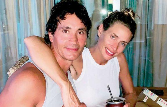 Sebastián Estevanez e Ivana Saccani esperan felices a su cuarto hijo
