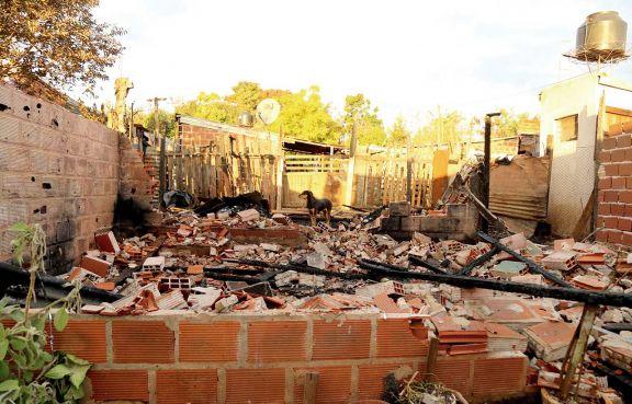 Incendio: hermanos fueron trasladados a un hogar