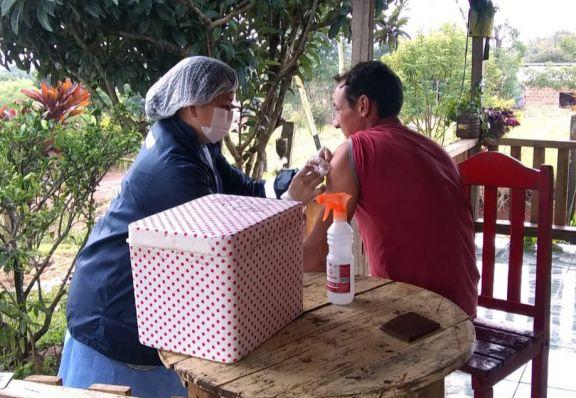 San Pedro: con salidas a terreno, continúa la vacunación a mayores de 30 años