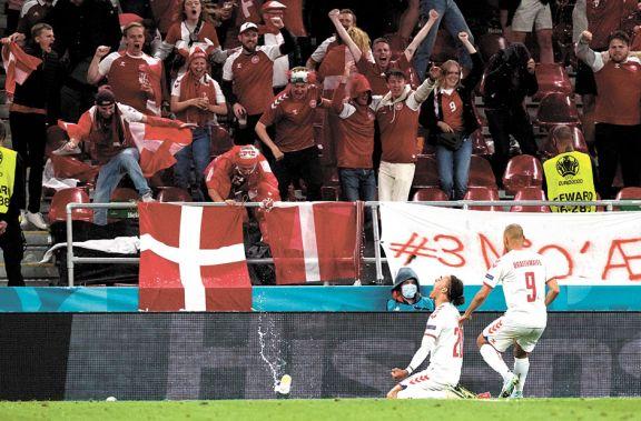 Emotiva clasificación de Dinamarca en la Eurocopa