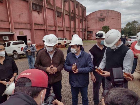 El gobernador visitó el ingenio San Javier por el inicio de la zafra cañera