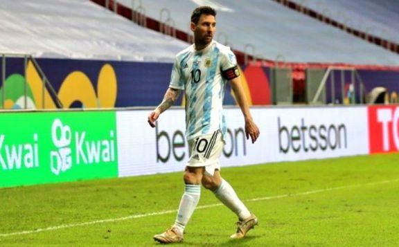 """Messi: """"Orgulloso por haber podido vestir la celeste y blanca tantas veces como mi amigo Masche"""""""