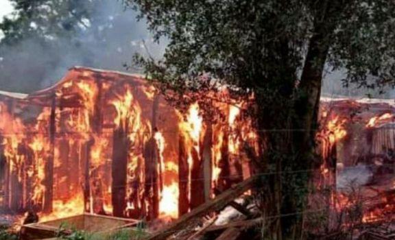 Incendio en Jardín América dejó con lo puesto a una familia