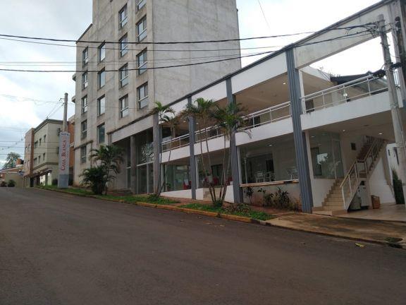 Iguazú, al límite: para pagar deudas, hoteleros rematan sus muebles