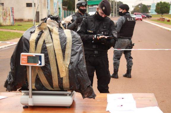De la camioneta incautada en Candelaria extrajeron 146 kilos de marihuana