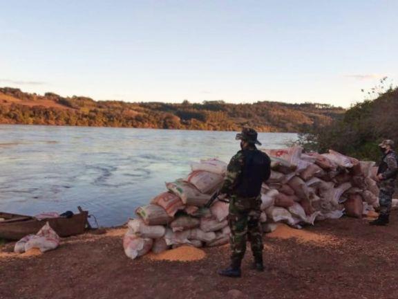 Contrabando: detectaron casi seis toneladas de maíz en la zona costera de El Soberbio