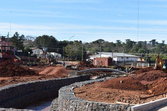 Avanzan con la obra de una moderna plaza en la zona céntrica de San Pedro