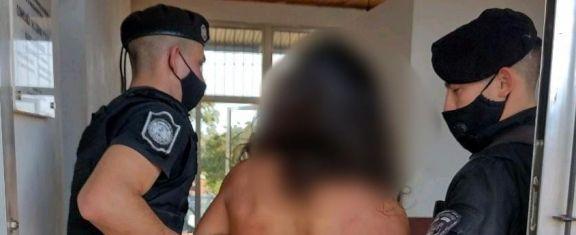 Terminó detenido tras golpear a su pareja y a varios policías en Alem