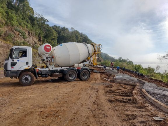 Panambí: construyen un mirador sobre la ruta provincial 2