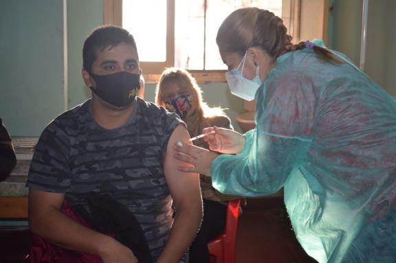 Avanza la vacunación anticovid en Jardín América y localidades aledañas