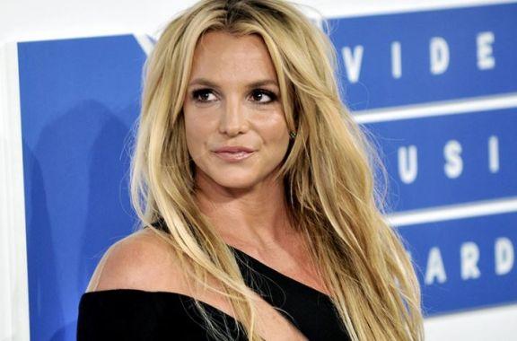 Tras 25 años, renunció el representante artístico de Britney Spears