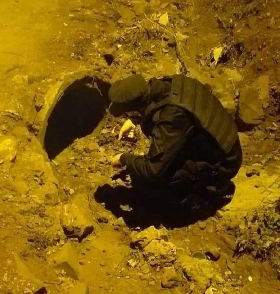 Por miedo, un niño de 7 años se escondió horas en un desaguadero