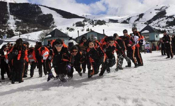 Parten contingentes rumbo a Bariloche