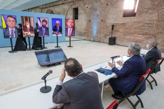 Fernández llamó a  la unidad y Uruguay avisó que negociará acuerdos por fuera del Mercosur
