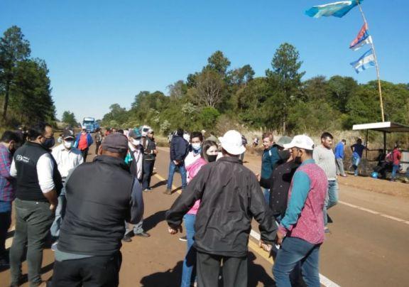 Desalojados continúan con el corte de ruta en Fracrán