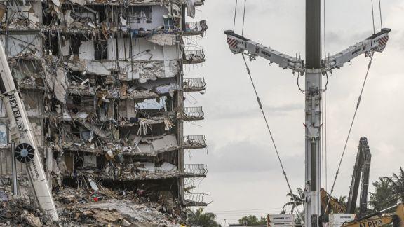 Identifican el cuerpo de un tercer argentino entre los escombros del edificio derrumbado en Miami