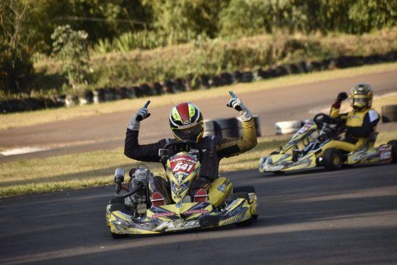 La cuarta fecha del Misionero de Karting fue dominada por la familia De Lima