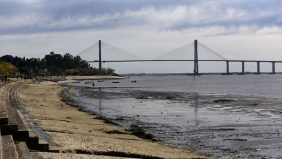 Analizan situación de los municipios ante la bajante histórica del río Paraná