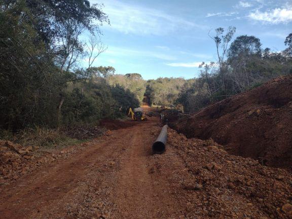 A buen ritmo avanzan con la etapa de red para la nueva toma de agua en San Pedro
