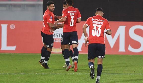 Independiente recibe a Santos con la obligación de ganar para seguir en carrera