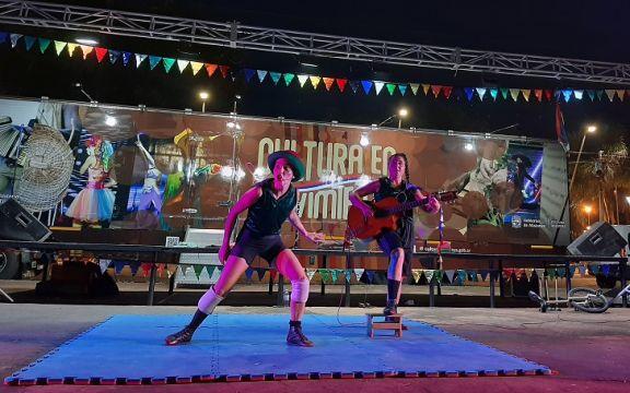 """Garuhapé: tardes con feria y shows al aire libre en el escenario de """"Cultura en Movimiento"""""""