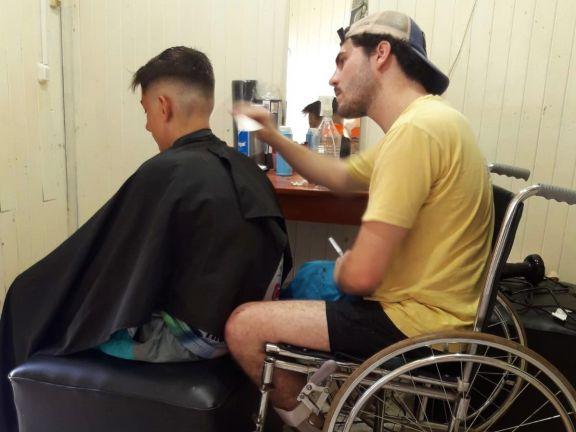 """""""¿Me ayudan a comprarme la prótesis?"""", cruzada solidaria para que Felipe pueda volver a caminar"""