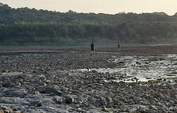 Nación evalúa declarar la emergencia hídrica por bajante del Paraná